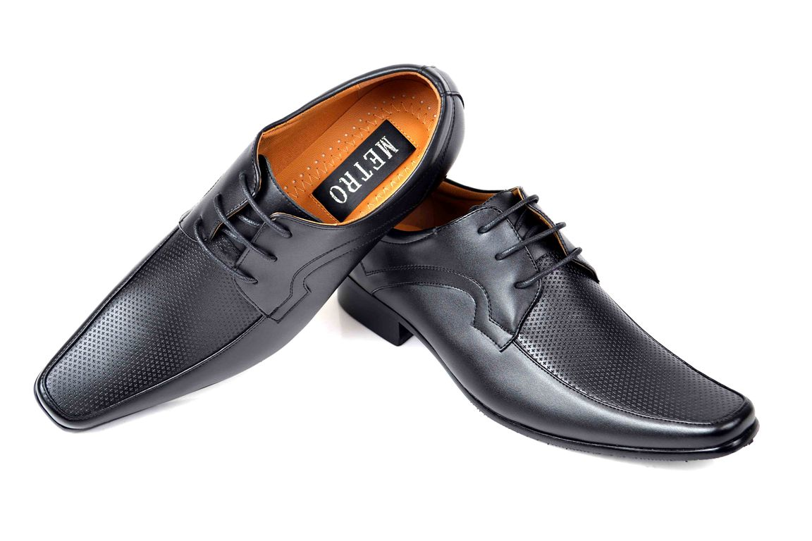 New Casual Shoes For Men By Metro