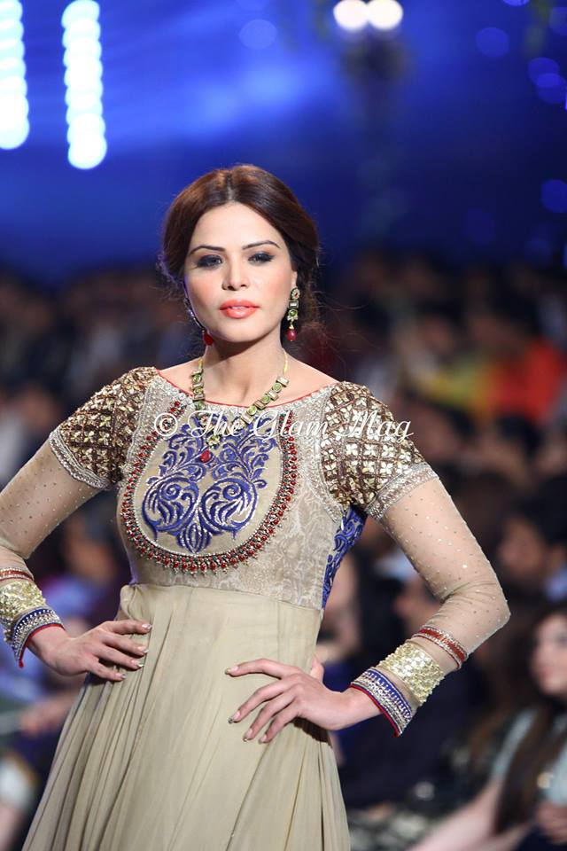 Asifa-and-Nabeel-Bridal-Collection-Panteen-Bridal-Couture-Week-2014 (16)