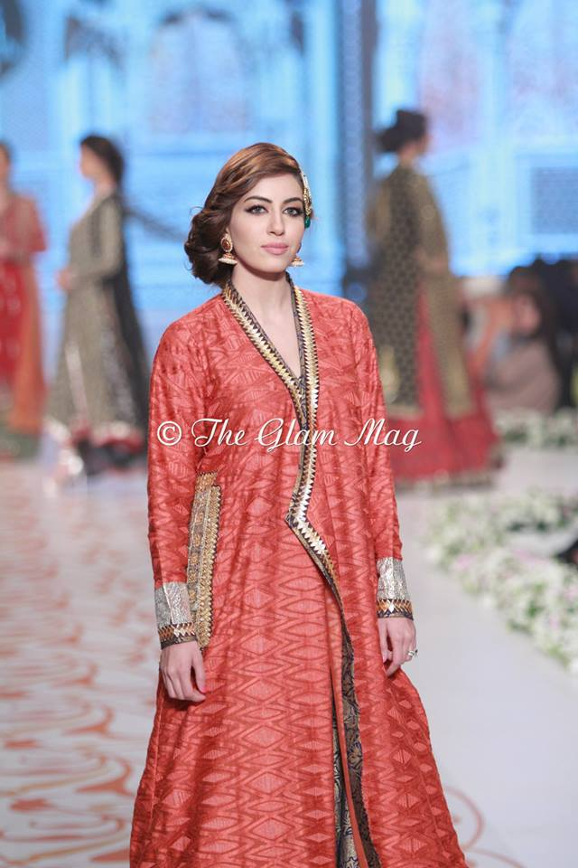 Bridal-Dresses-collection-by-Nida-Azwer-Panteen-Bridal-Couture-Week-2014 (2)