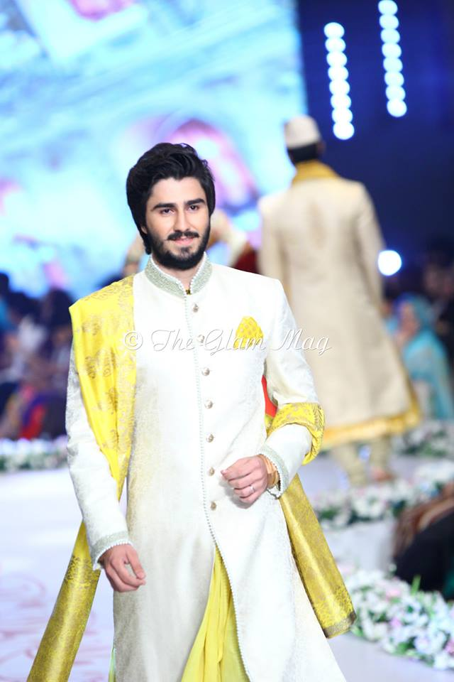 Deepak-Perwani-Bridal-Collection-at-Pantene-Bridal-Couture-Week-2014-1 (11)