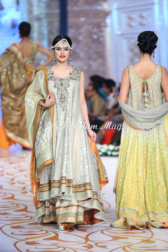 Deepak-Perwani-Bridal-Collection-at-Pantene-Bridal-Couture-Week-2014-1 (6)