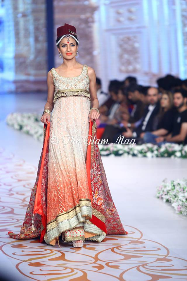 Deepak-Perwani-Bridal-Collection-at-Pantene-Bridal-Couture-Week-2014-1 (7)