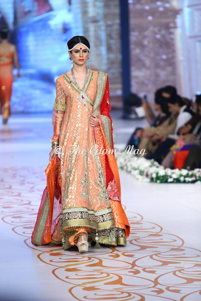 Deepak-Perwani-Bridal-Collection-at-Pantene-Bridal-Couture-Week-2014-1 (9)
