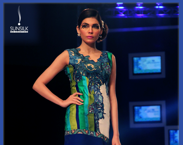 rukn-e-alam-collection-by-hina-but-pfdc-sunsilk-fashion-week-1