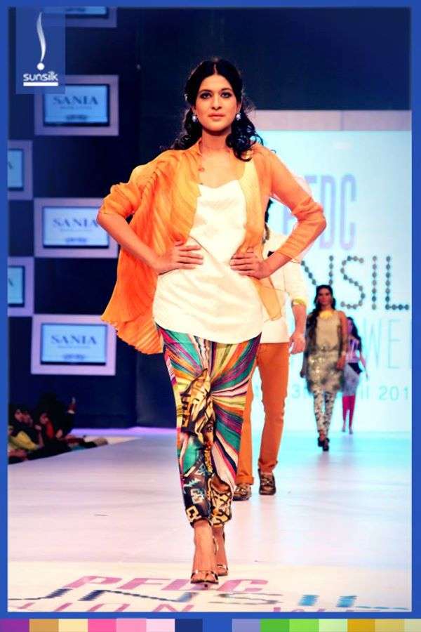 sania maskatiya casual wear