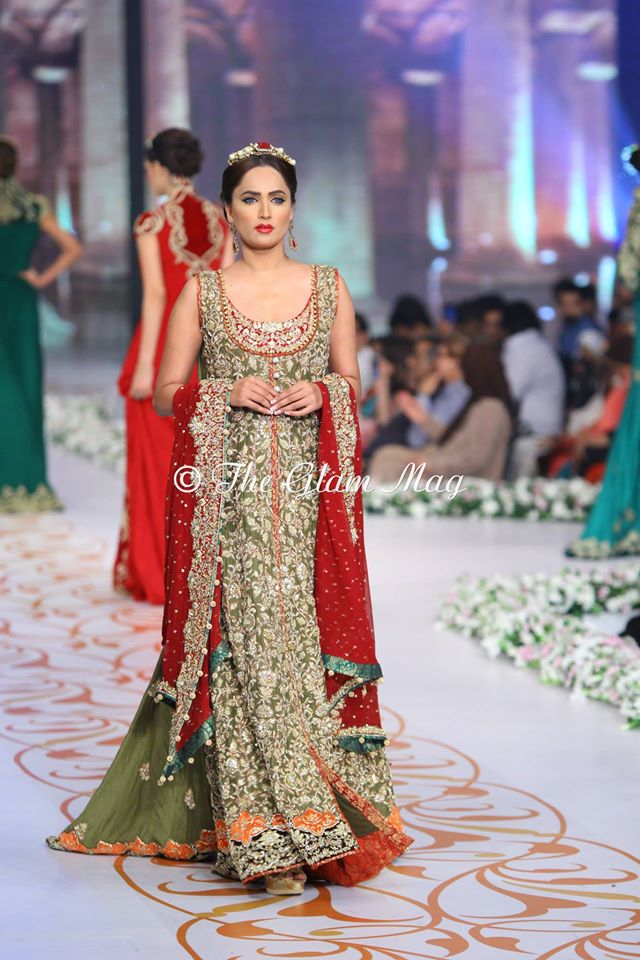 Tabassum-Mughal-Bridal-Collection-Panteen-Bridal-Couture-Week-2014 (10)
