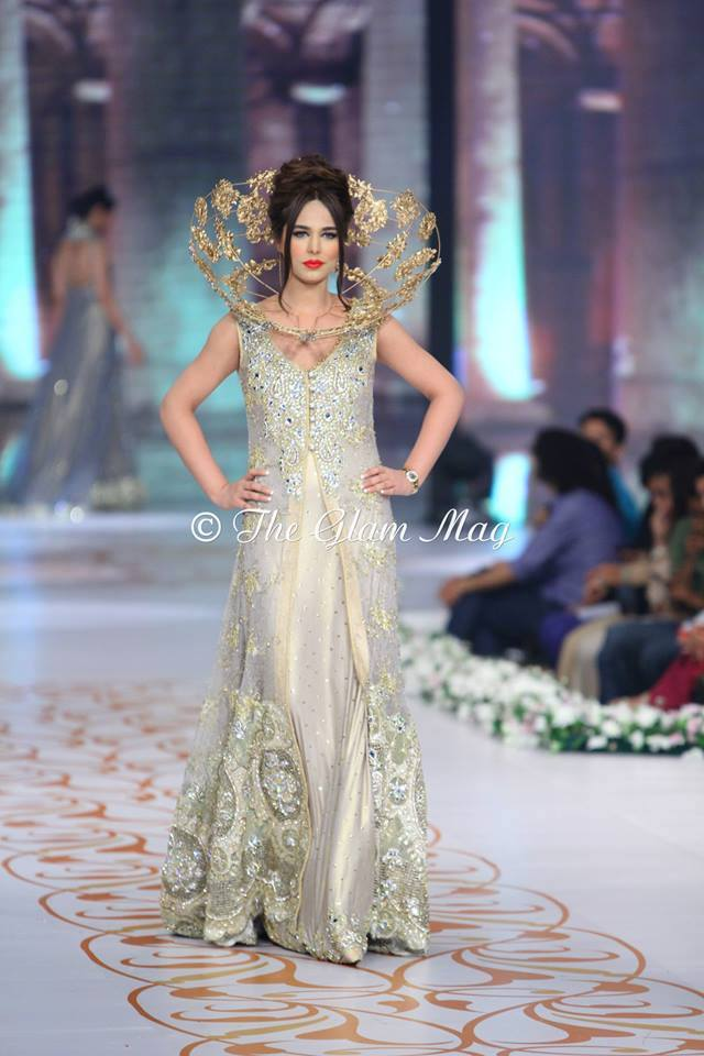 Tabassum-Mughal-Bridal-Collection-Panteen-Bridal-Couture-Week-2014 (15)