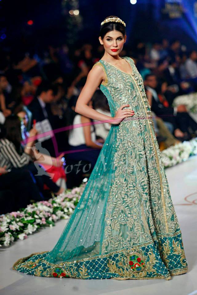 Tabassum-Mughal-Bridal-Collection-Panteen-Bridal-Couture-Week-2014 (2)