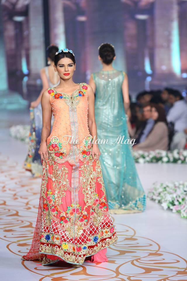 Tabassum-Mughal-Bridal-Collection-Panteen-Bridal-Couture-Week-2014 (8)