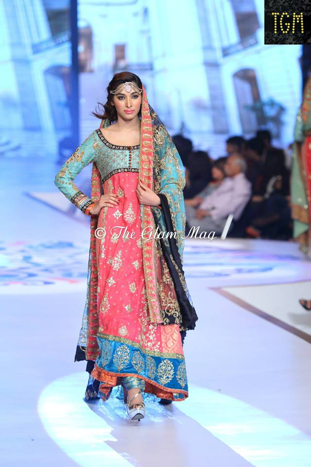Tena-Durrani-Bridal-Collection-2014-Panteen-Bridal-Couture-Week (10)