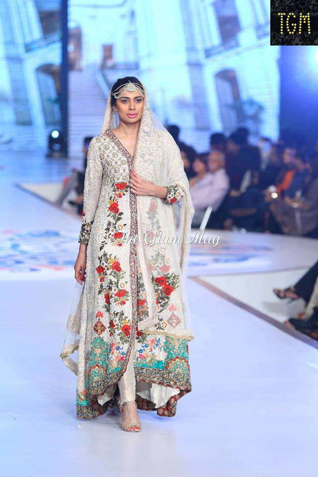 Tena-Durrani-Bridal-Collection-2014-Panteen-Bridal-Couture-Week (5)