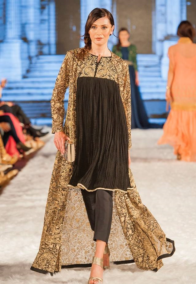 Gul-Ahmed-Eid-Collection-2016-2017-at-FPW-London (2)