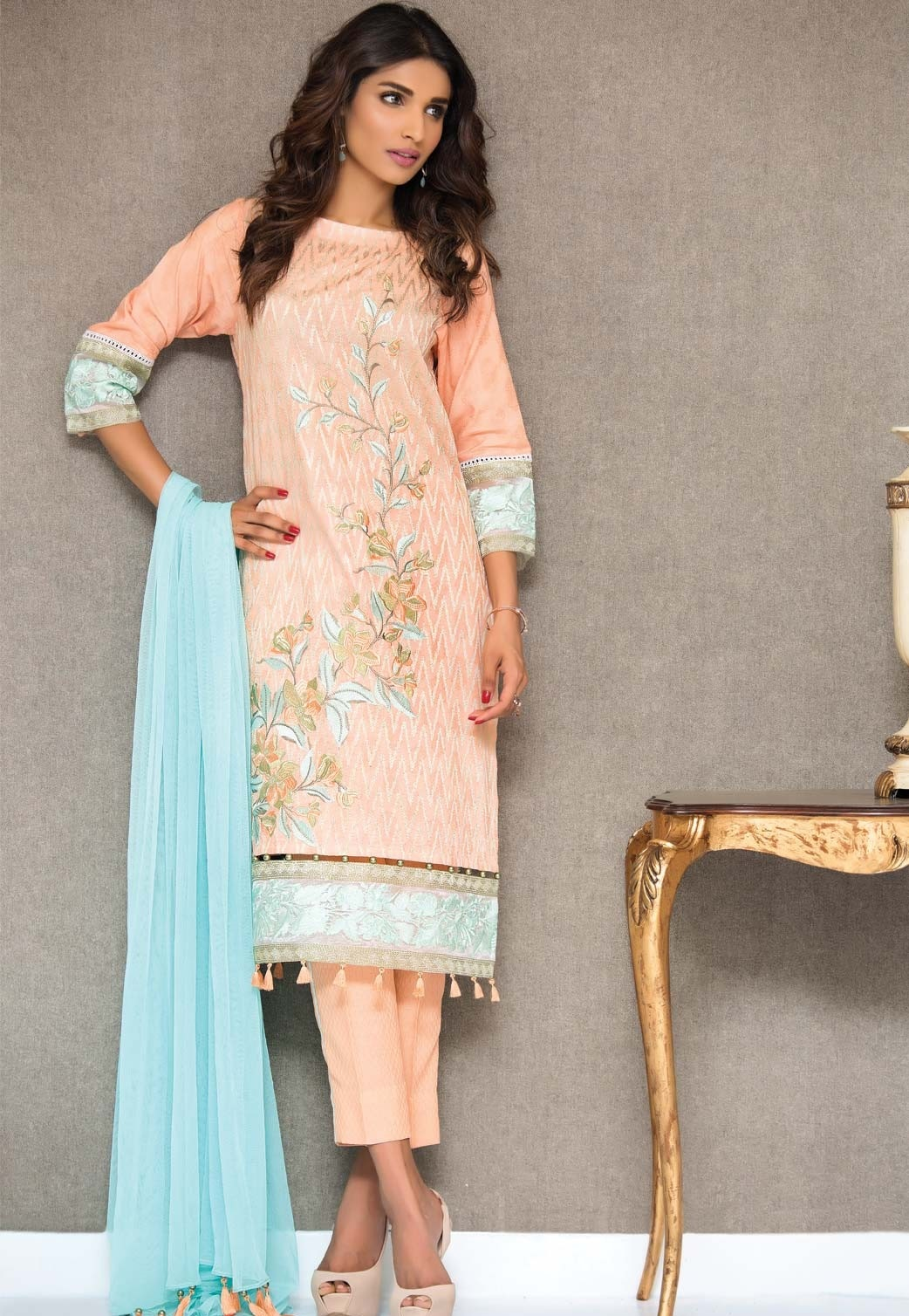 Cambridge-Zeen-Eid-Collection-2016-2017 (13)
