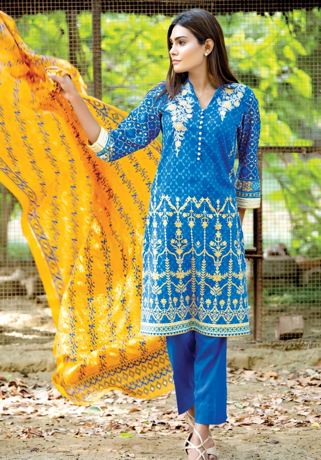 Cambridge-Zeen-Eid-Collection-2016-2017 (27)