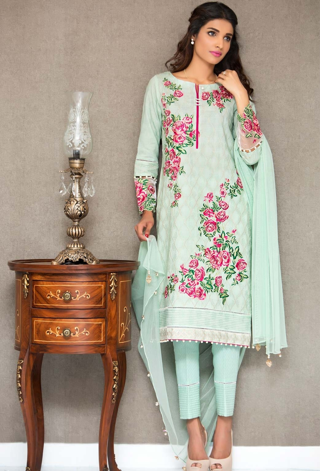 Cambridge-Zeen-Eid-Collection-2016-2017 (29)
