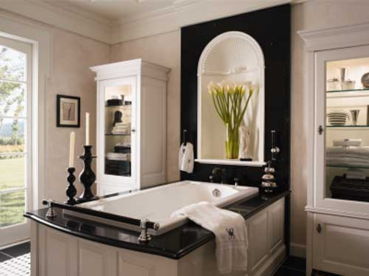 Bathroom decorating ideas new trendy washroom designs for Bathroom decor 2012