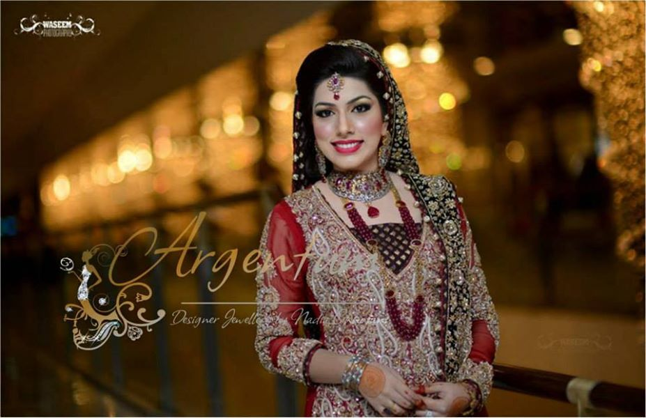Pakistani Bride in Nadia Chhotani Bridal Jewelry