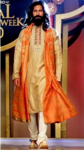 Deepak-Perwani-Mehndi-Dresses-for-Grooms (6)