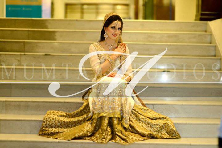 Latest Engagement Bridal Dresses (1)