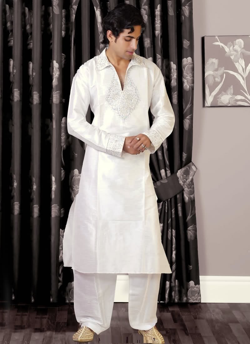 Groom-Mehndi-dresses-Collection-for-Boys (4)
