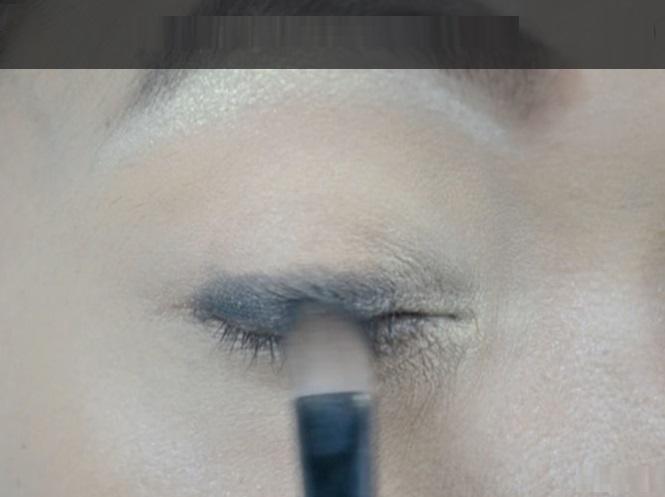 How-to-do-smokey-eye-make-up (2)