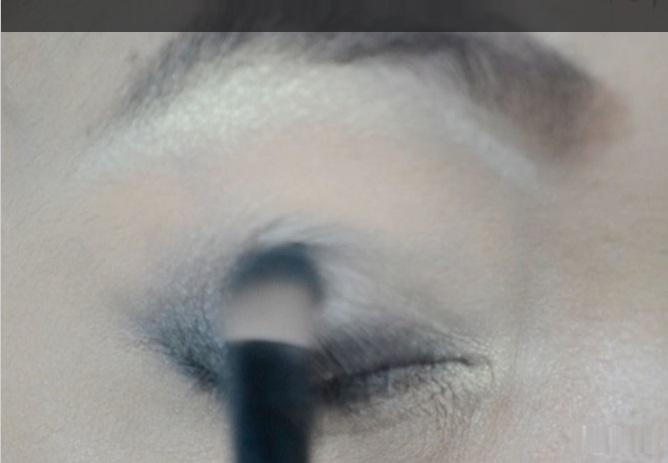 How-to-do-smokey-eye-make-up (3)