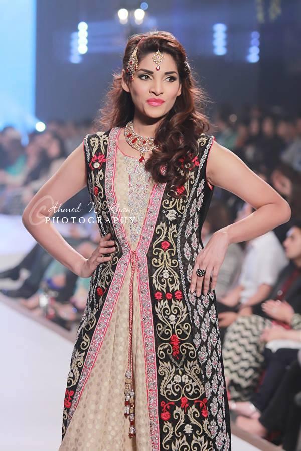 Nadia-Chhotani-Bridal-Jewellery-Pantene-Bridal-Couture-Week (4)