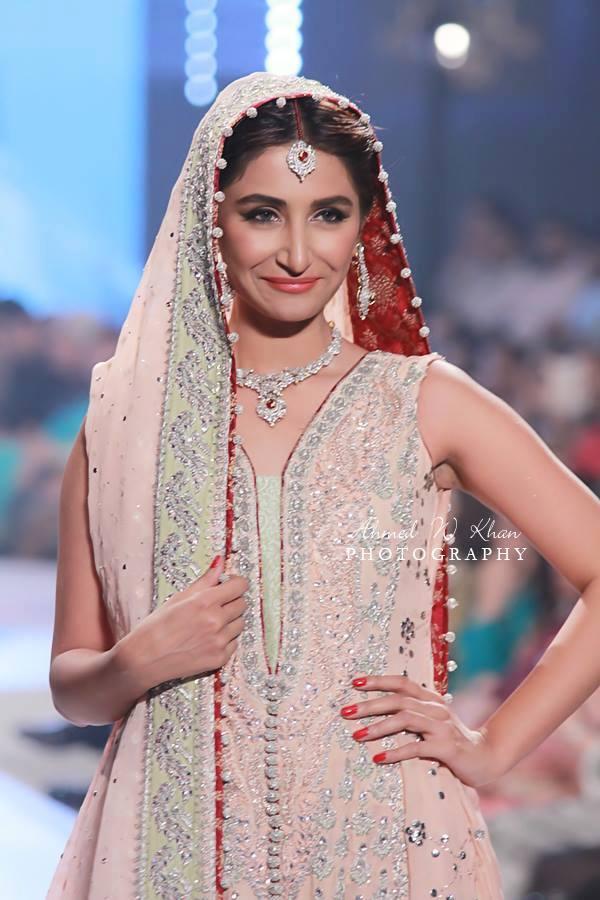 Nadia-Chhotani-Bridal-Jewellery-Pantene-Bridal-Couture-Week (6)