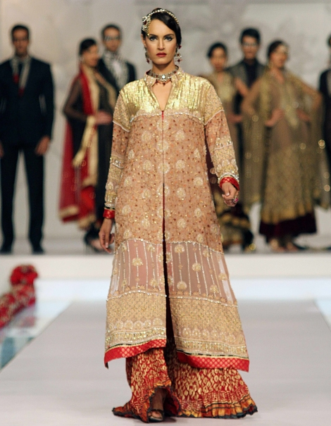 Party-Wear-Dresses-by-Deepak-Perwani (5)