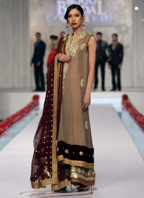 Party-Wear-Dresses-by-Deepak-Perwani (6)
