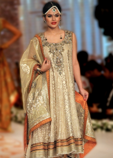 Party-Wear-Dresses-by-Deepak-Perwani (9)