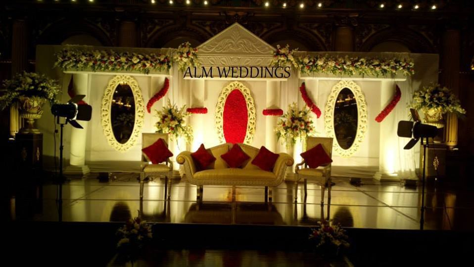 Walima-Stage-Decoration-ideas (2)