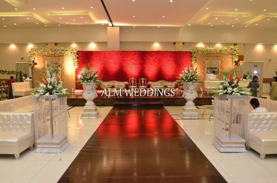 Walima-Stage-Decoration-ideas (3)