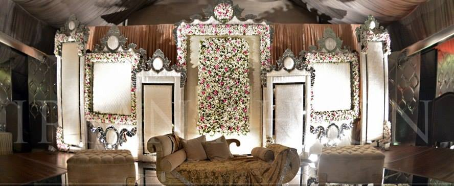 Walima-Stage-Decoration-ideas (4)