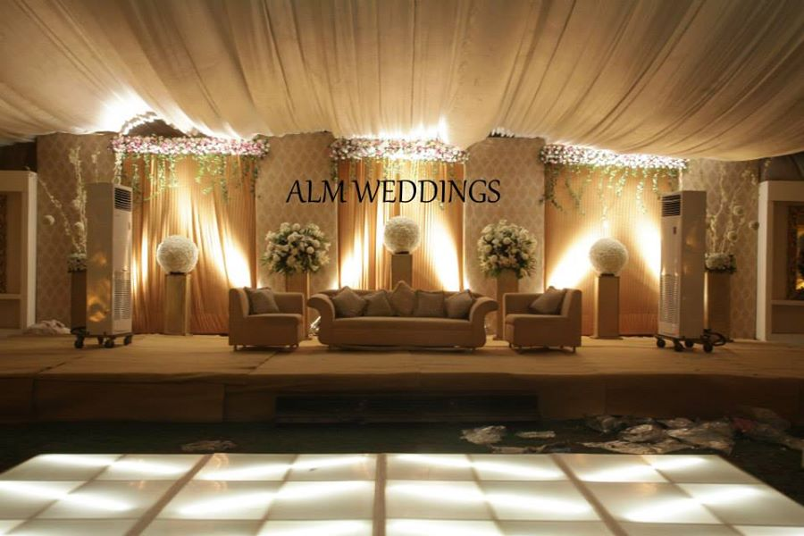 Walima-Stage-Decoration-ideas (5)