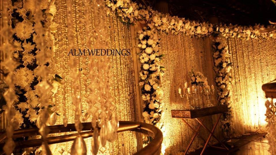 Walima-Stage-Decoration-ideas (6)