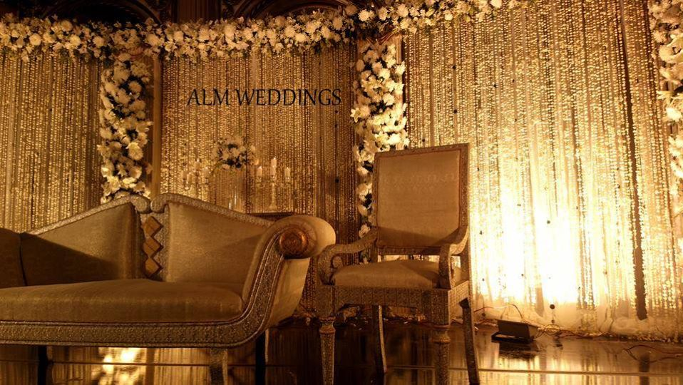 Walima-Stage-Decoration-ideas (7)