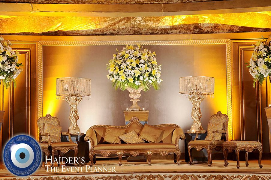 Walima-Stage-Decoration-ideas (9)