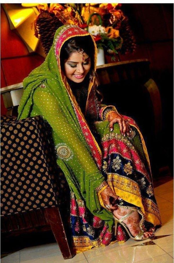 new-bridal-Mehndi-Dresses-collection (20)