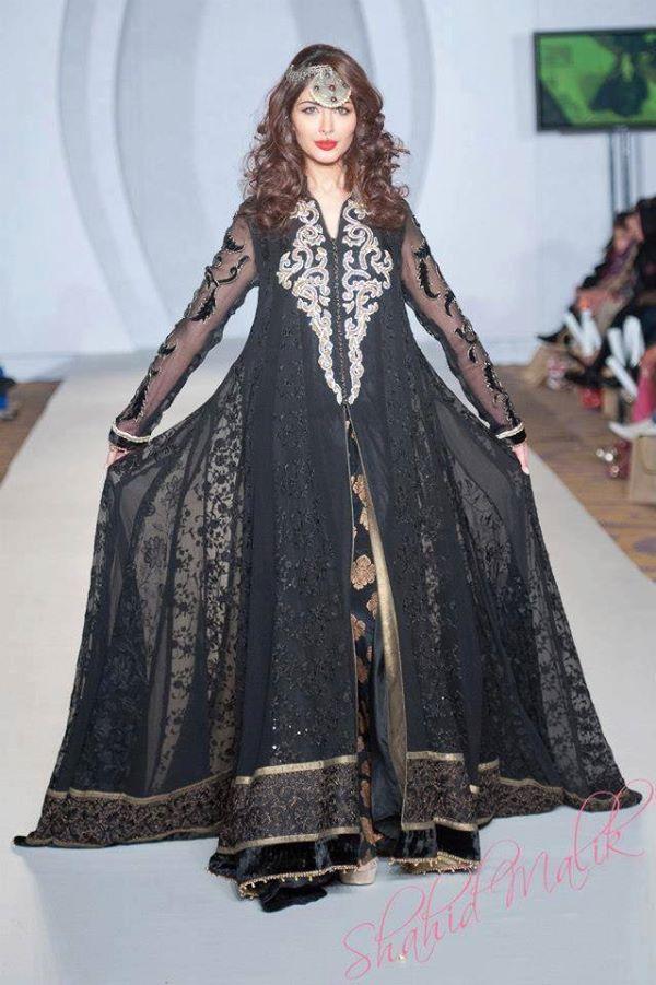 Fancy-Gowns-for-Women (17)