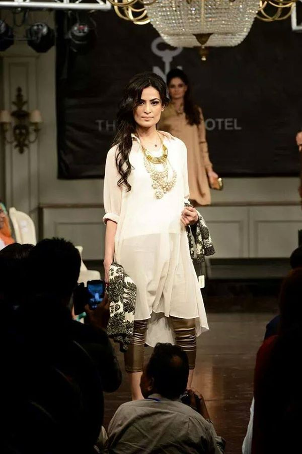Nishat-Linen-Fashion-Show-at-Nishat-Hotel (15)