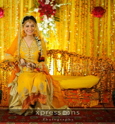 Yellow-Bridal-Mehndi-Dresses (7)