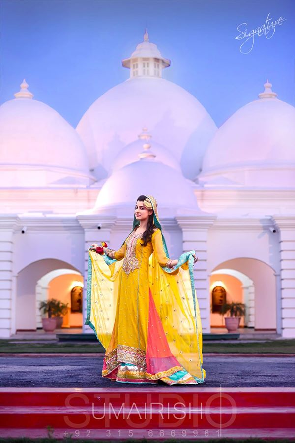 Yellow-Bridal-Mehndi-Dresses (9)