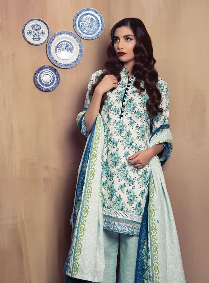 Alkaram Floral Winter Suit