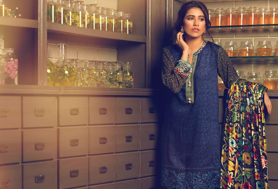 syra shehroz in Beautiful Alkaram Winter Dress