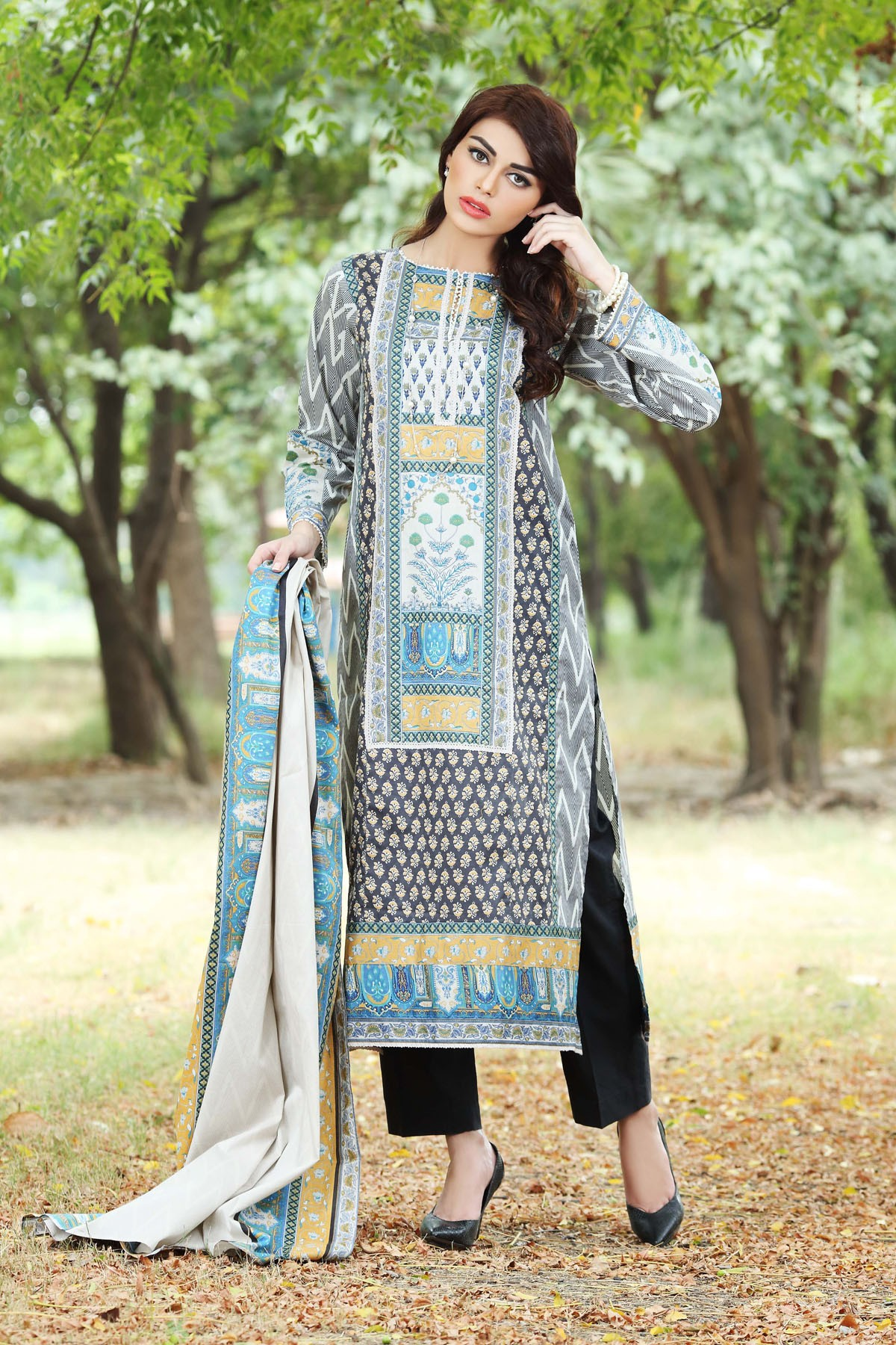 Khaadi-Cambric-Collection-Fall-Winter-2014-2015 (18)