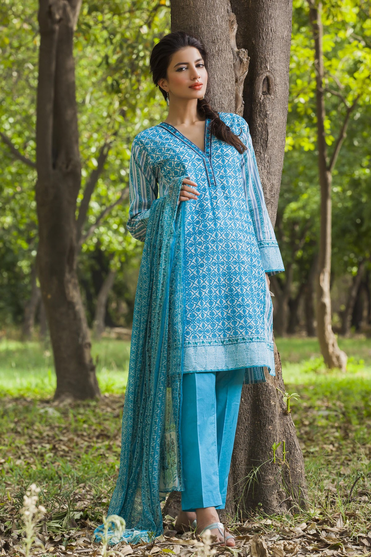Khaadi-Cambric-Collection-Fall-Winter-2014-2015 (29)