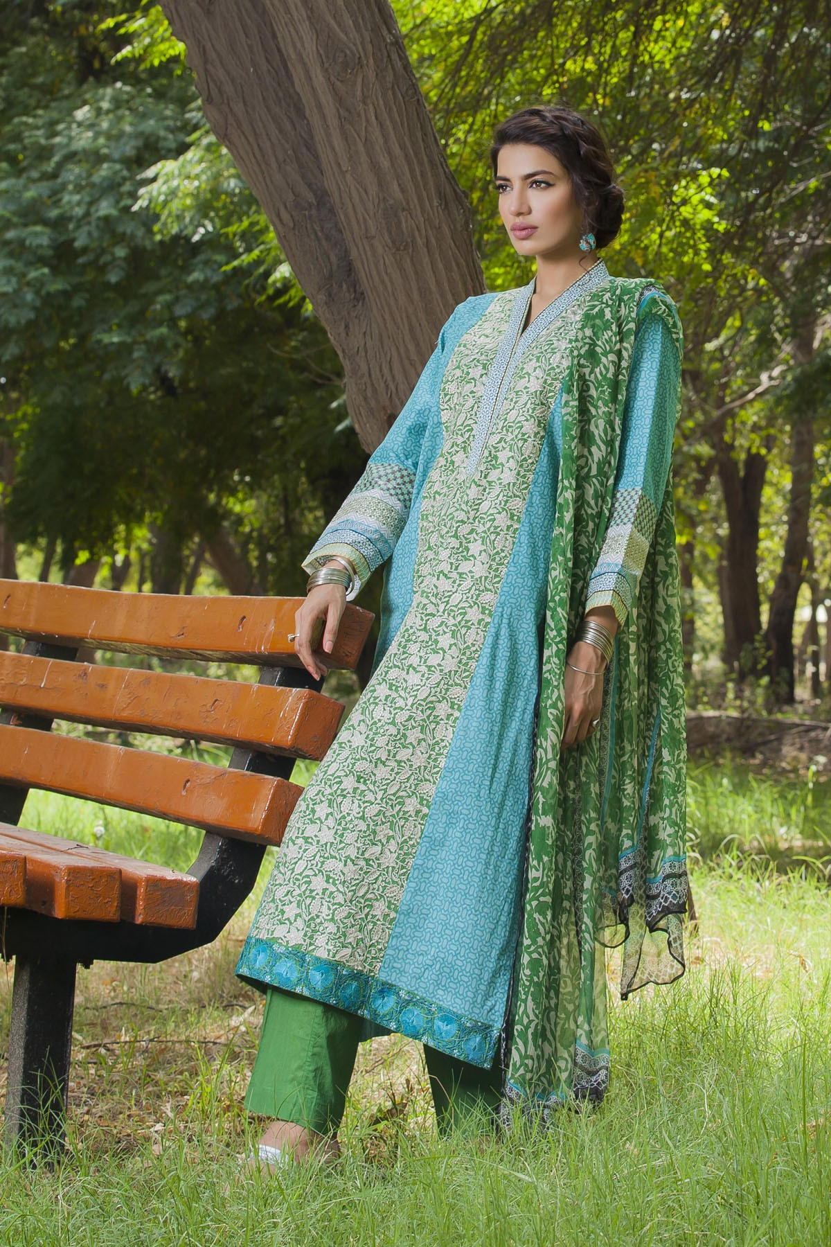 Khaadi-Cambric-Collection-Fall-Winter-2014-2015 (30)