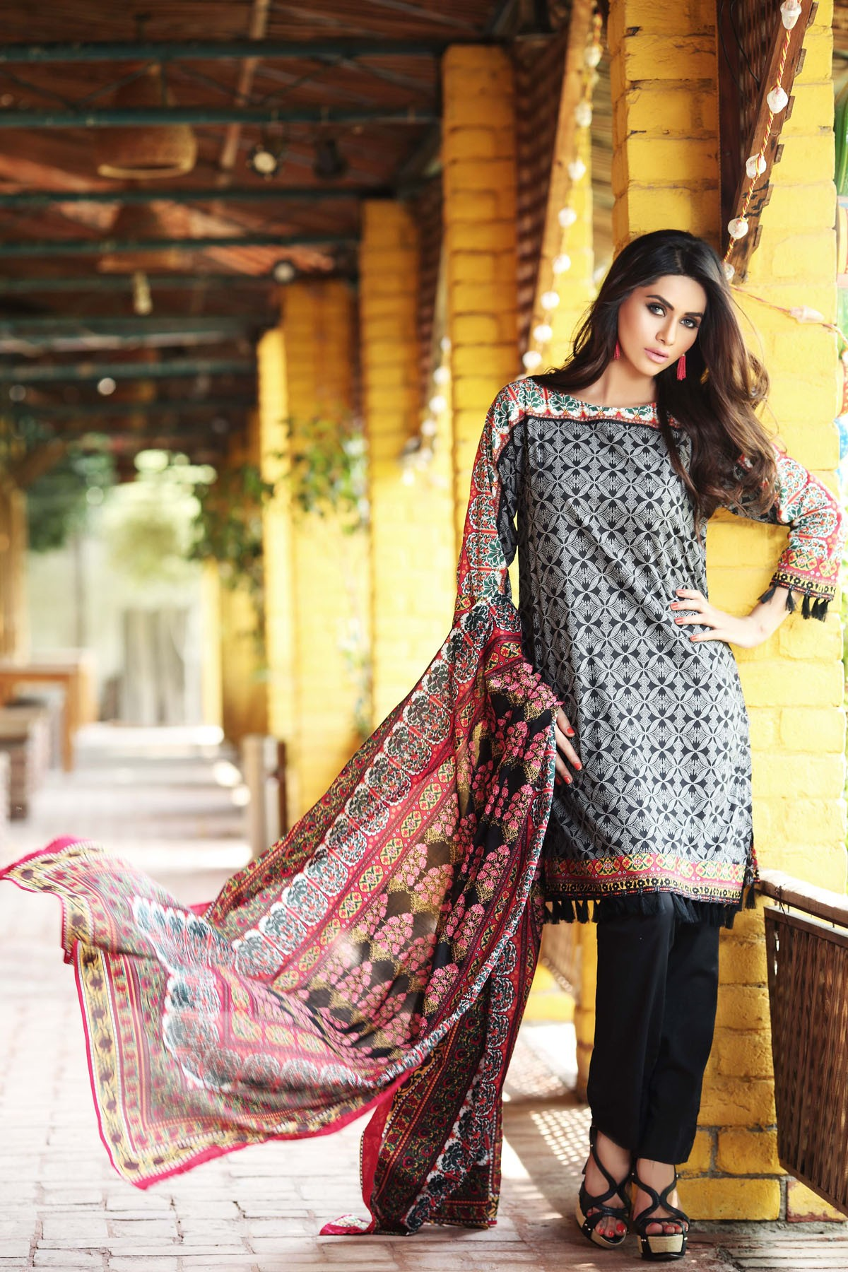 Khaadi-Cambric-Collection-Fall-Winter-2014-2015 (7)