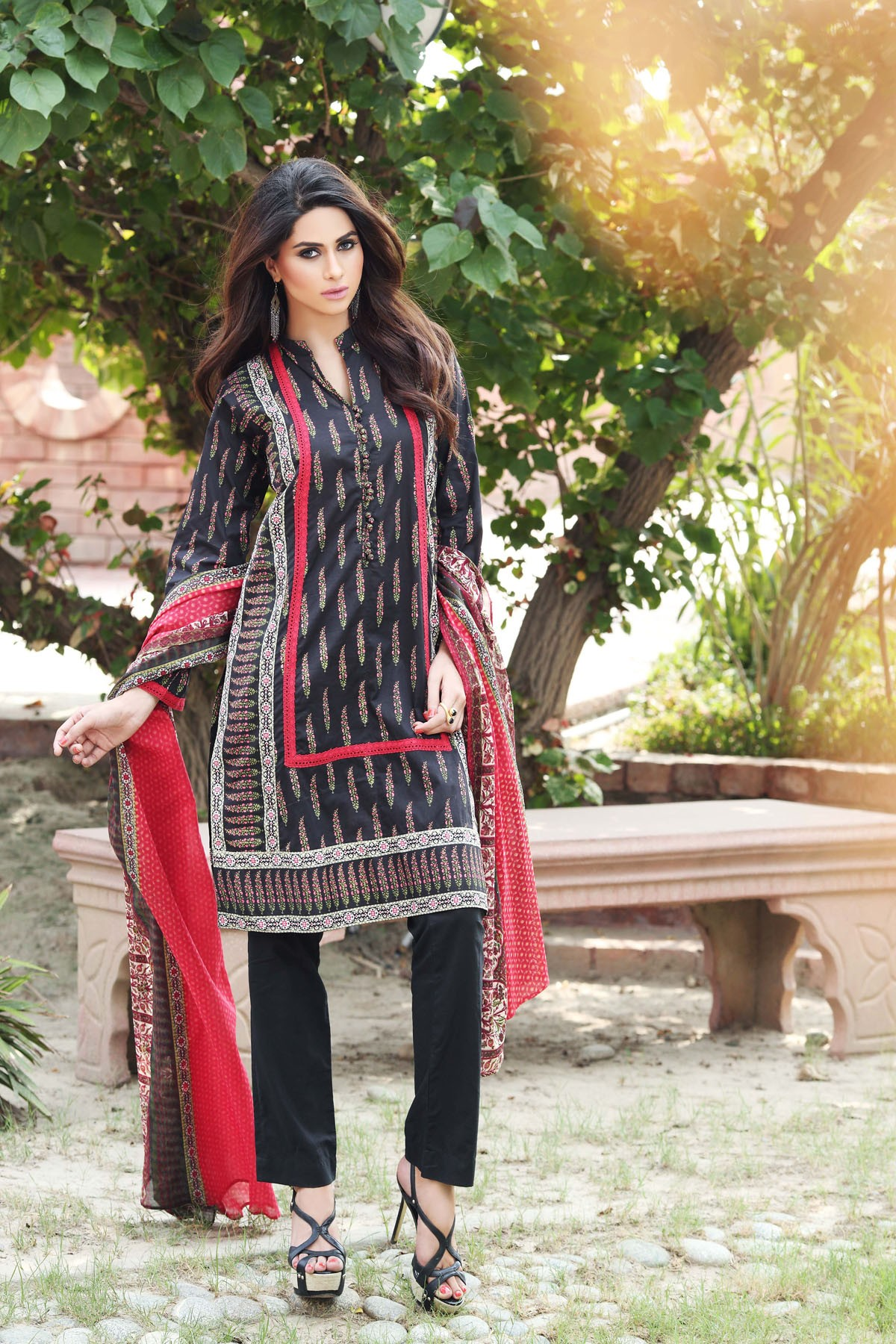 Khaadi-Cambric-Collection-Fall-Winter-2014-2015 (9)